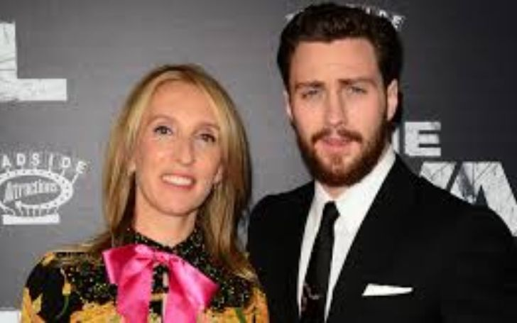 People spread fake rumors on Twitter after Aaron Johnson and Sam Taylor put house on sale.