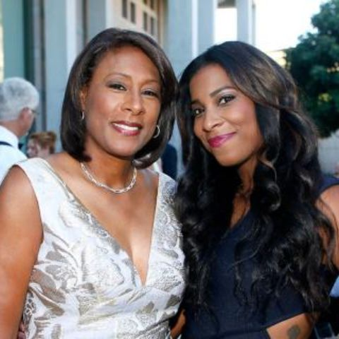 Pat Harvey has a beautiful daughter Michelle Byrd.