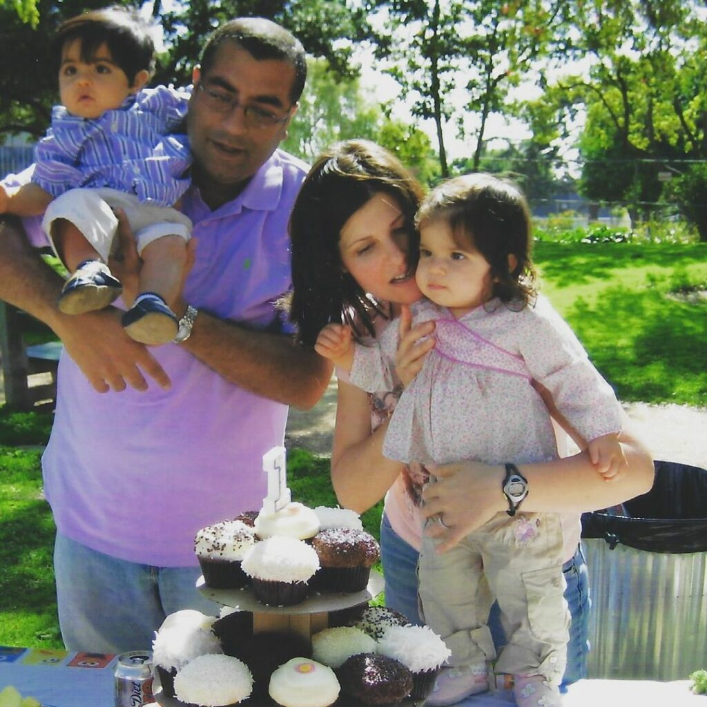Neeraj Khemlani is happily married to his lovely wife, Heather Cabot.