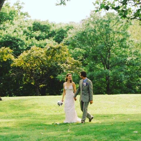 He is happily married to his lovely wife Kate A. Shaw, an associate professor of law at Benjamin N. Cardozo School of Law.