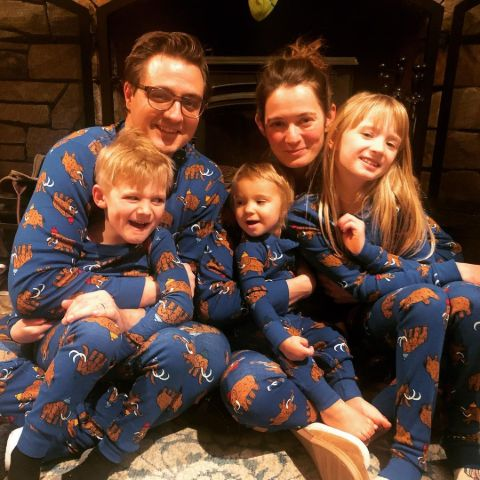 Chris Hayes and Kate is blessed with three children.