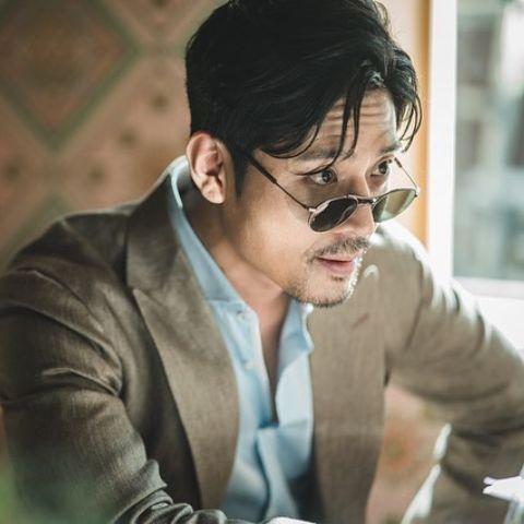 Kim Joo-hun is living a luxurious life.