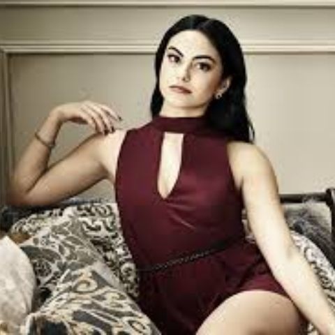 Camila Mendes net worth is $4 million.