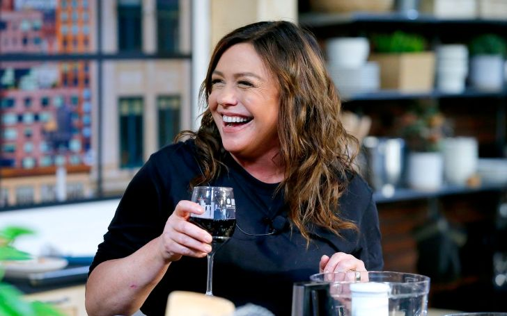 Rachael Ray is an American television personality, businesswoman, celebrity chef, and author from the United States.