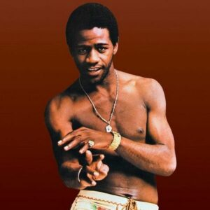 Al Green began living with his prostitute girlfriend and began abusing narcotics.