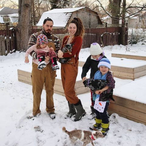 Amber Allen is celebrating new year with family.