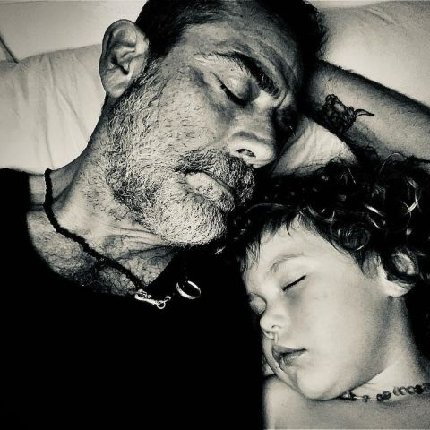 Jeffrey Dean Morgan is sleeping with her daughter.