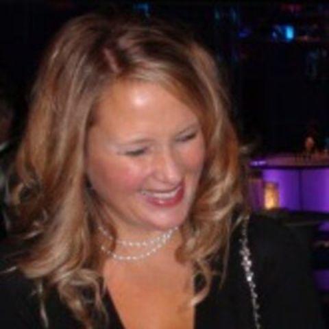 Corinne Clark has a net worth of $800k.