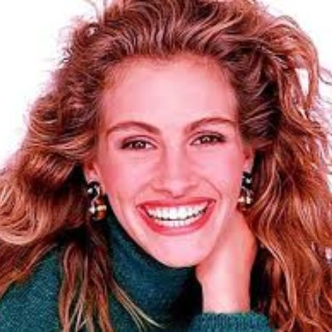 Julia Roberts graduated from Campbell High School.
