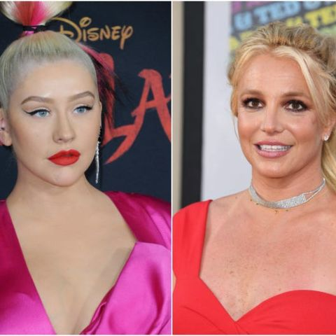 Christina Aguilera supports another artists.