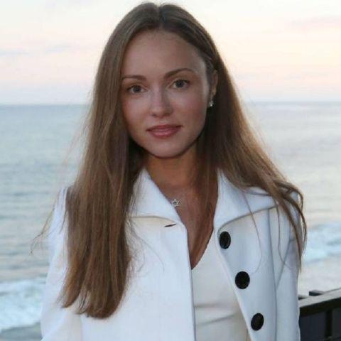 Nikita Kahn was born in the Soviet Union in 1991.