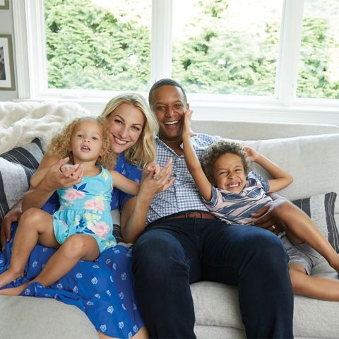 Lindsay Czarniak and Craig Melvin dated for a long time before marrying on October 15, 2011.