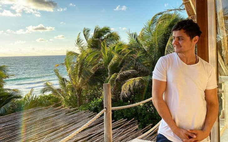 Arturo Castro is a actor.
