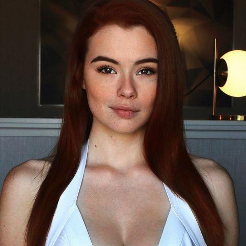 Sabrina Lynn is an American model.