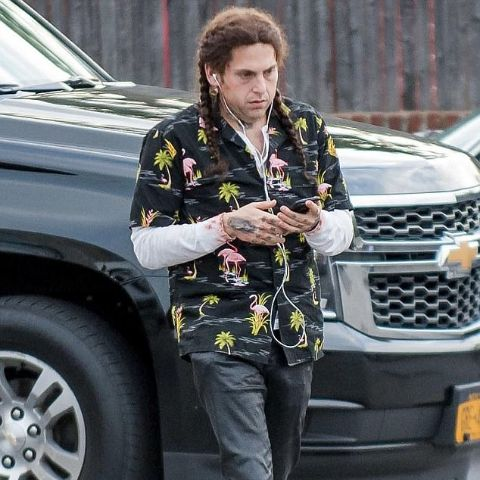 Jonah Hill is living in the United States of America.