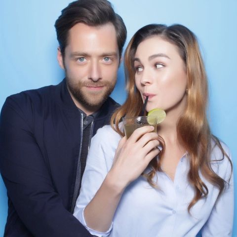 Sophie Skelton and Richard Rankin are spending a quality time with each other.