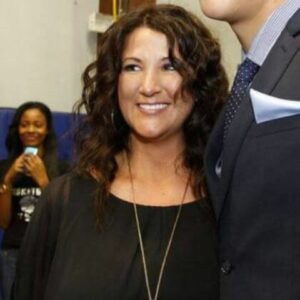 Veronica Gutierrez is the mother of popular basketball player.