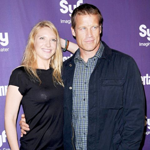 Anna Torv and Mark Valleymet on the set and planned a little wedding ceremony.