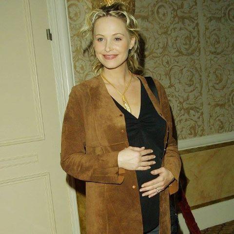 Josie Bissett's mother is an English actress.