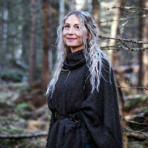 Jonna Jinton is a Swedish YouTuber.
