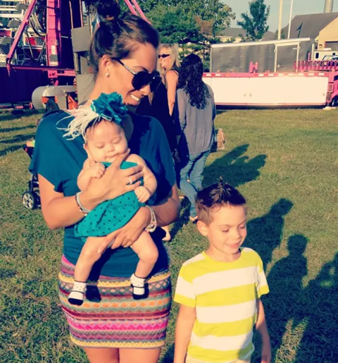 Amanda with her kids, Mikey and Amabella.