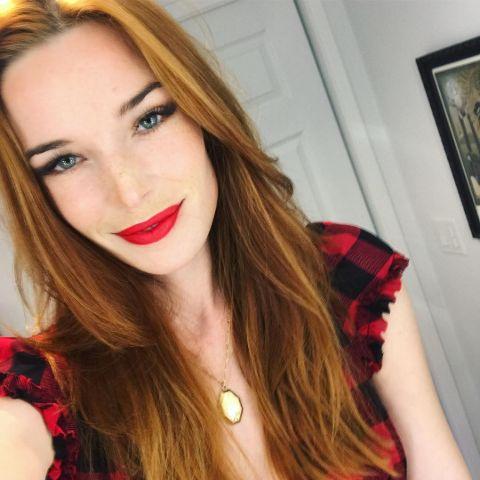 Chloe Dykstra is an American actress.