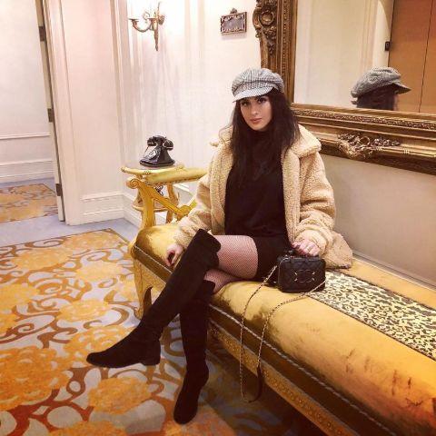 Alia Shelesh was born in England, the United Kingdom, on October 22, 1992.