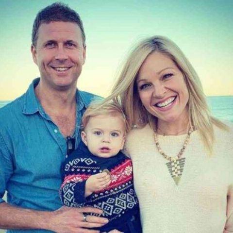 Anna Kooiman is married toTim Stuckey.