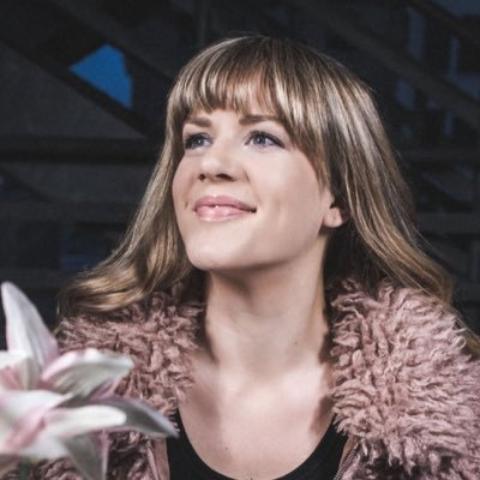 Lara Beitz smiling.