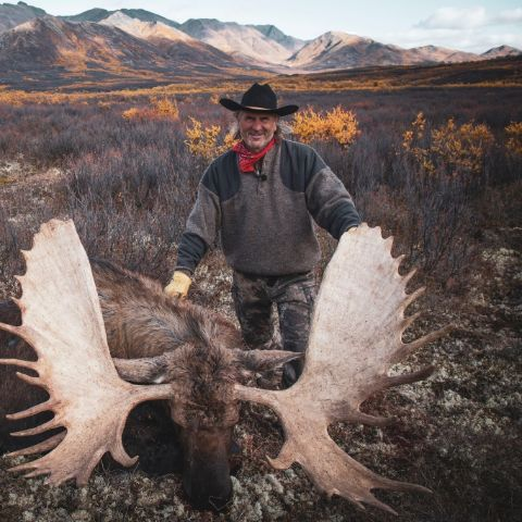 Jim Shockey is 64-year-old as of 2021.