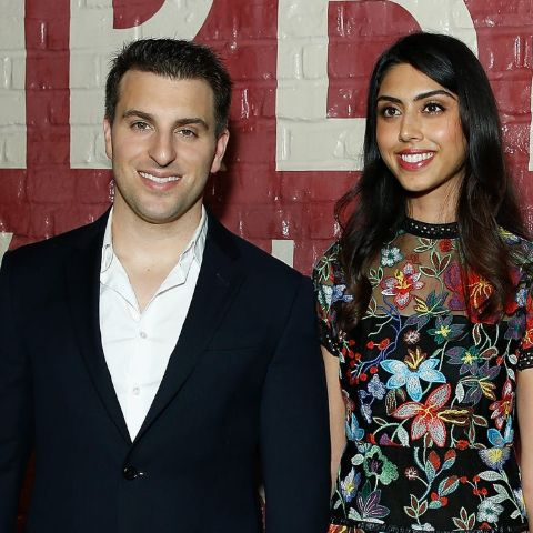 Brian Chesky is single as of 2021.
