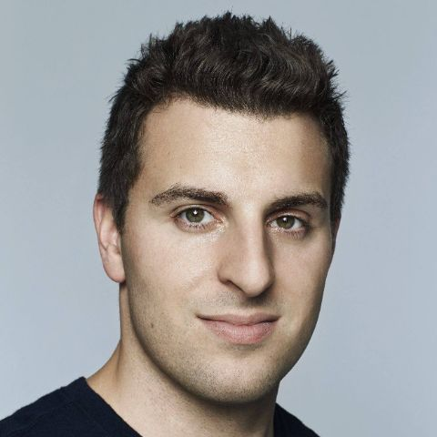 Brian Chesky holds American nationality.
