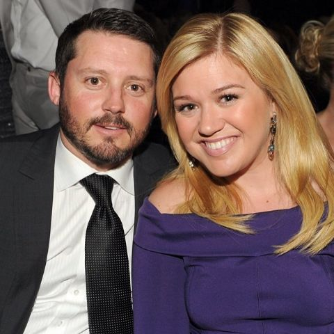 Kelly Clarkson is a single now.