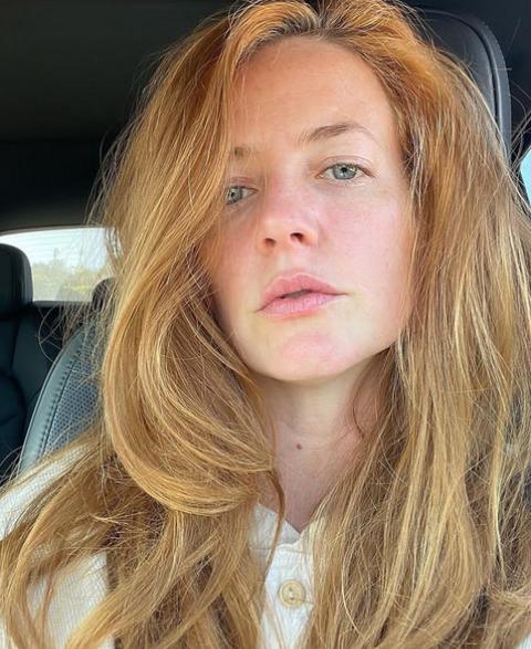 Stephanie Allynne's selfie.